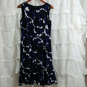 New TALBOTS Lined Sleevless Flare Bottom Dress T17